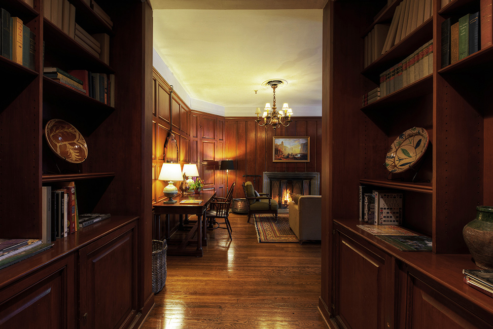 The Majestic Yosemite Hotel Suite - Library Suite Entryway