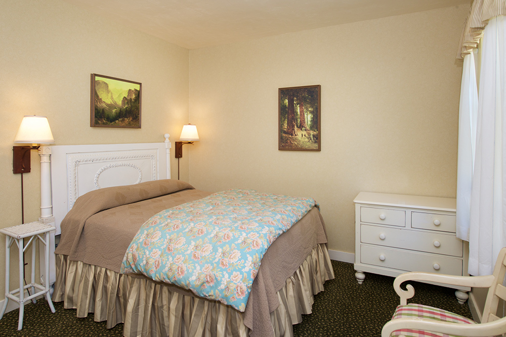 Rooms with Bath at Wawona Hotel
