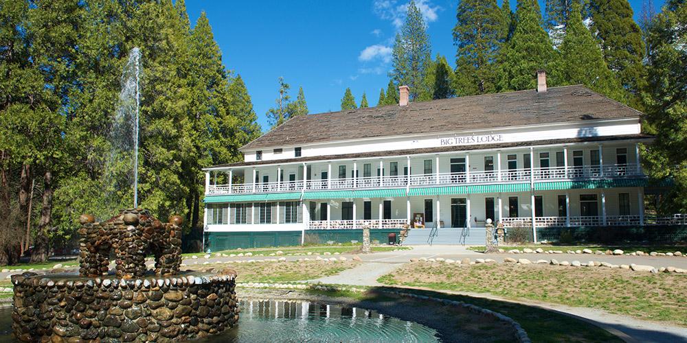 Yosemite lodging experience yosemite national park ca for Cabins in yosemite valley