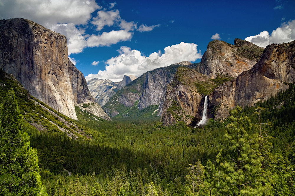 Tunnel View is a picturesque stop on the Valley Floor Tour.